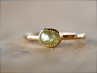Lime Green Oval Diamond Ringの画像