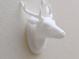 鹿のブローチの画像