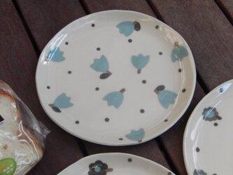 お花のパン皿(水色)の画像