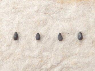 *穀物シリーズ*ゴマピアス(シルバー925/シリコンキャッチ)の画像