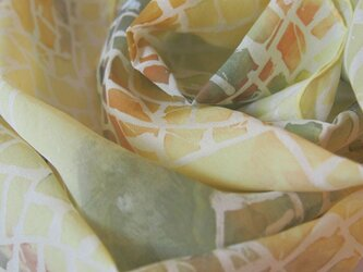 フリーハンド筒描きの国産シルクストール、スカーフ、帯揚げの画像