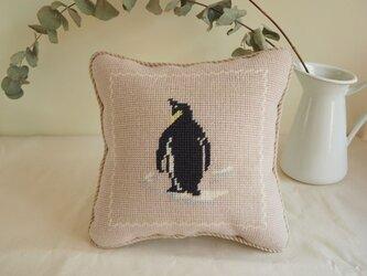 ペンギンのミニクッション バックショット(正方形)の画像