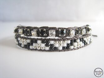 """Beading bracelet """"Black & White""""の画像"""