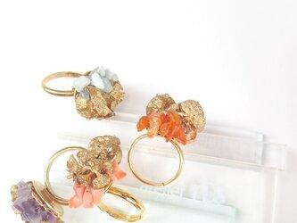 【再販売】珊瑚×ヒノキの実 リングの画像