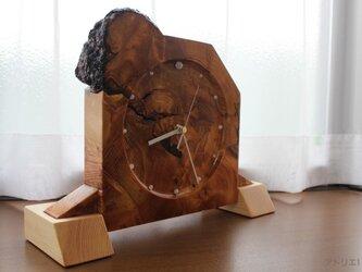 黒松の切り株を洋風にデザインしたインテリア置き時計【電波時計】の画像