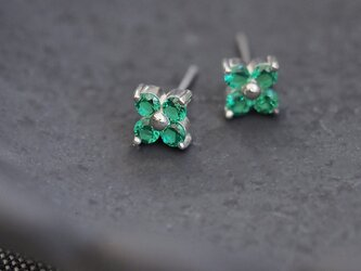 Emerald フラワー ピアス イヤリング シルバー925の画像