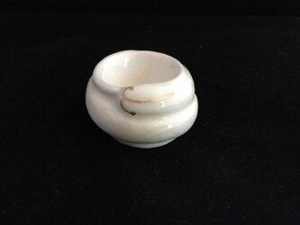 白磁金彩陶器へび小物入れの画像