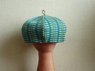 ニットの生地のベレー帽の画像