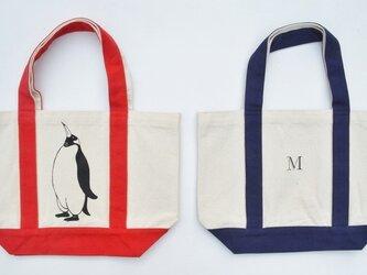 イニシャル入り、ペンギントートバッグ、キャンバストートバッグ、赤の画像