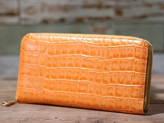エナメルクロコ型押し オレンジ 長財布 ラウンドファスナー 牛革 皮 ハンドメイド 手作りの画像