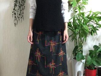 イタリー製 コード刺繍生地Aラインスカートの画像