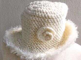 ファー飾りの帽子の画像