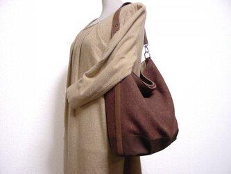 ウールと帆布の楕円底ワンハンドルバッグ(茶×モカ茶革)の画像