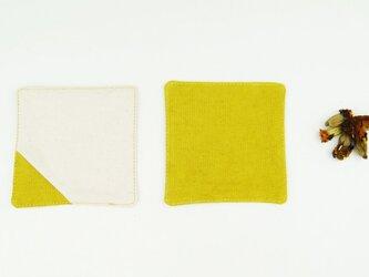 TEAtimeに華を。草木染めオーガニックコットン100%帆布コースター〜芥子色(からしいろ)〜の画像