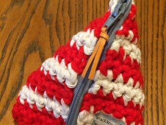 手編みさんかくポーチ 赤の画像