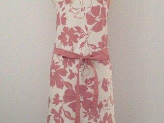 pinkの花柄エプロンの画像