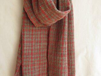 茜格子の手織りあたたかストールの画像