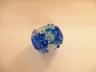 瑠璃色の花玉の画像
