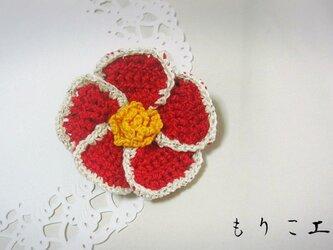 冬待ち椿のブローチの画像