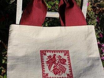 鳥と葡萄刺繍バッグの画像