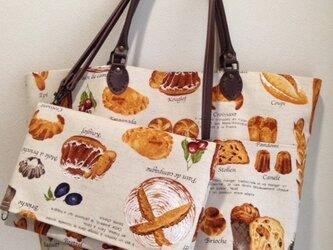 パン柄トートバッグの画像