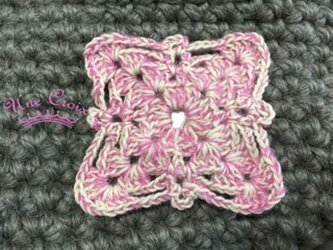ドイリーのブローチ ピンクの画像