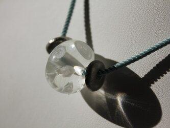〈Machiko+S〉×〈Cristal-g〉*蜻蛉玉〈無垢〉+イタリア製ツイストコードのネックレス(ブルー)の画像