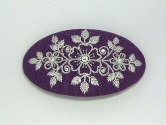 花刺繍のヘアピン(紫)の画像