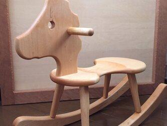 かばの木の木馬の画像