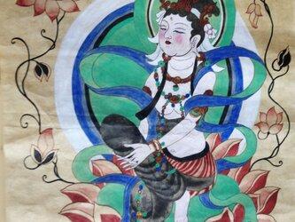 敦煌の仏様の画像