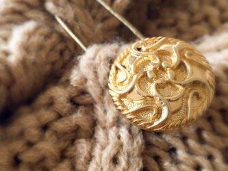 【再販】金色レトロなボタンのストールピン(アウトレット品)の画像