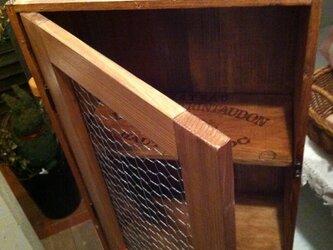 ワイン木箱のシェルフの画像