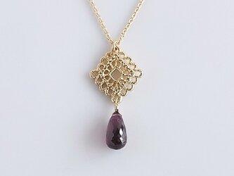 天然石ガーネットのネックレスの画像
