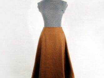 柔らかいウールスカートの画像