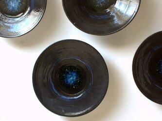 壁飾りにもなる小皿の画像