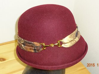 「大人のお洒落帽子」 ワインカラー×アニマル柄の画像