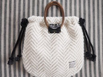 wood handle knit bag <offwhite>の画像