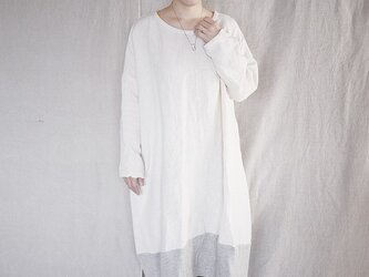 big twotone onepiece (offwhite)の画像