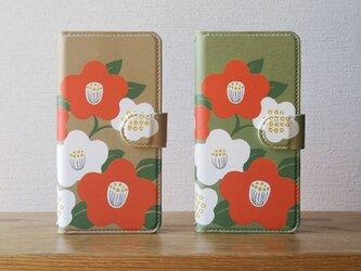 和な雰囲気の椿の手帳型スマホケースの画像