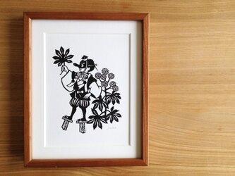 花の切り絵「ヤツデ」の画像