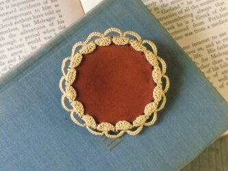 Leather&Crocheted lace Brooch(黄色)の画像
