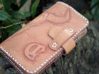 カービングiPhoneケースの画像
