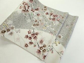 袋帯(古木に枝垂桜・グレー地)の画像
