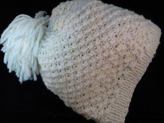 [手紡ぎ、手編み]デイジーステッチのふさふさ帽子の画像