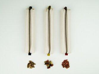 コンパクト草木染めペンケースの画像