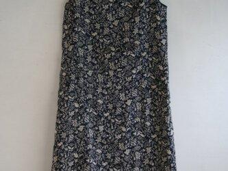 麻 草原模様のノースリーブワンピース Mサイズの画像