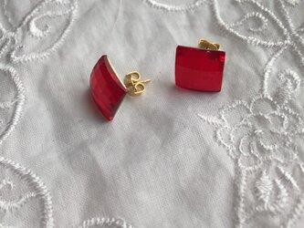 赤色スワロフスキーピアスの画像