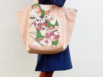 着物リメイク・帯の大容量バッグ(サーモンピンク)の画像