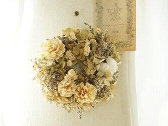 ivory wreathの画像