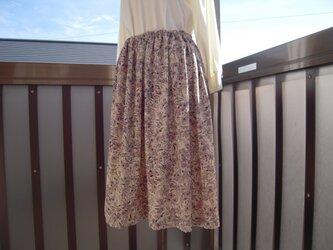 着物リメイク 綸子のスカート65cm J-3の画像